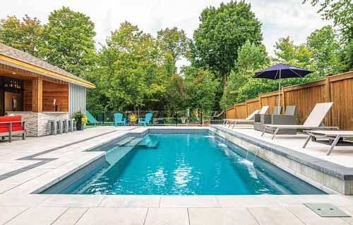 Small backyard pools: Leisure Pools Elegance