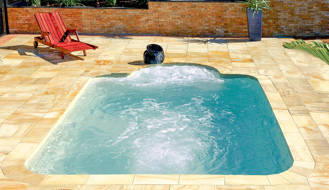 Leisure Pools Courtyard Roman composite swimming pool