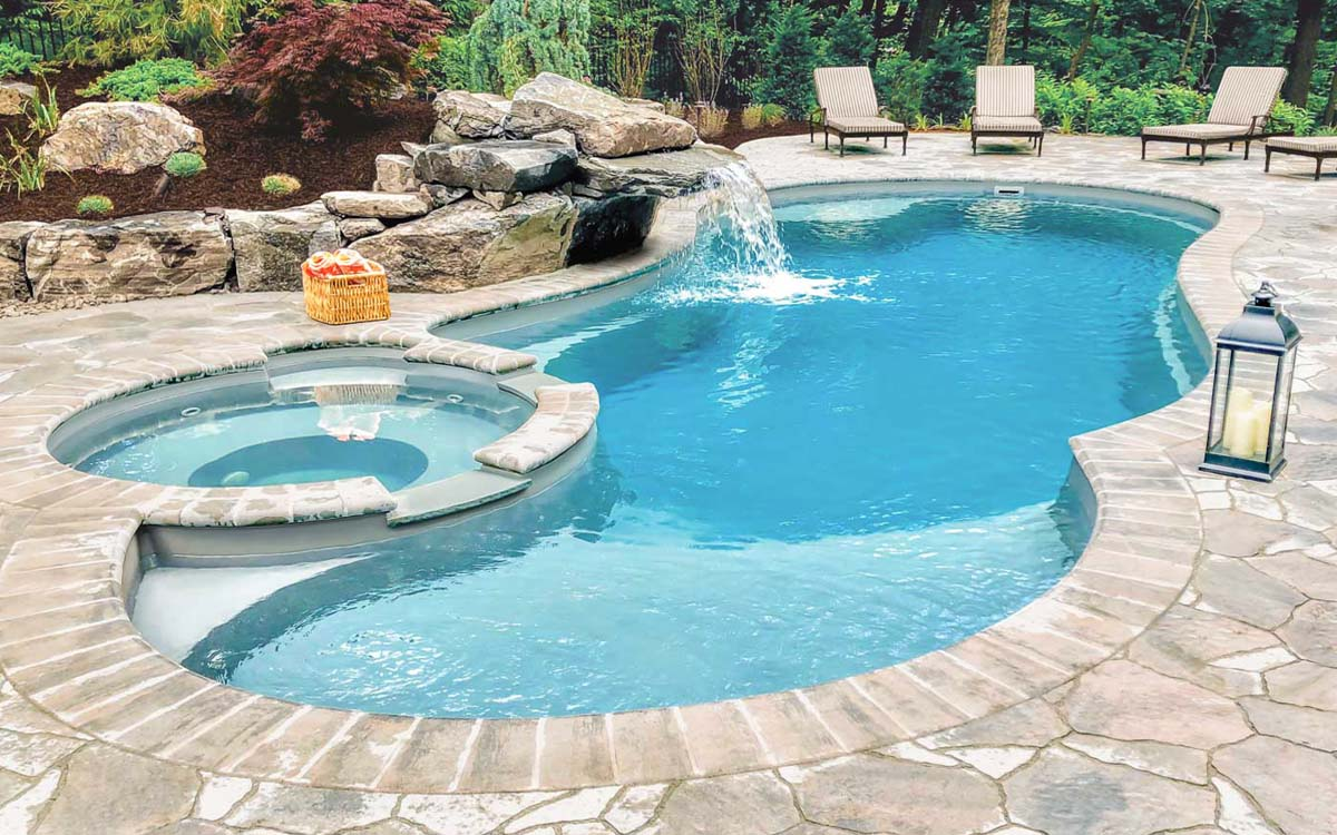 What Is The Best Type Of Swimming Pool For My Home Leisure Pools Usa