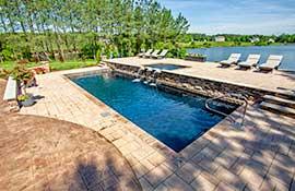 Custom-Finish-Colors-For-Fiberglass-Swimming-Pools_Landscaping-Summer-Natural-Lake